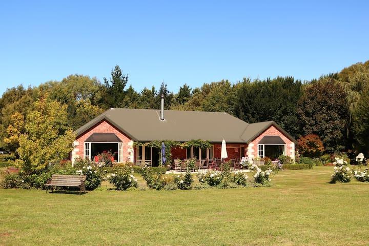 Totara Stream City Edge Farm stay-Christchurch