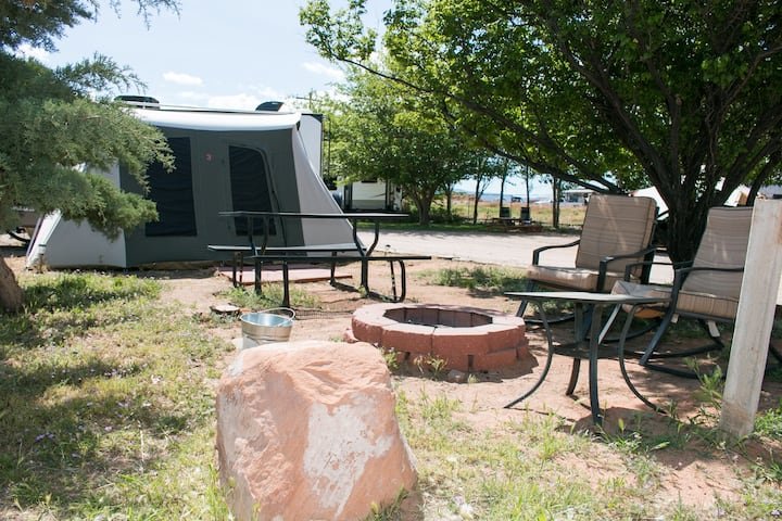 FunStays Glamping Setup Tent with King Bed OK-T3