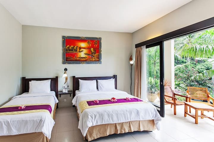 Simple room for 3 in Lombok - Batu Layar