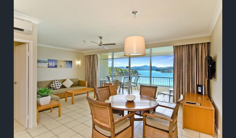 Top Floor Beachfront Apartment on Hamilton Island