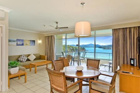 Top Floor Beachfront Apartment on Hamilton Island - Whitsundays