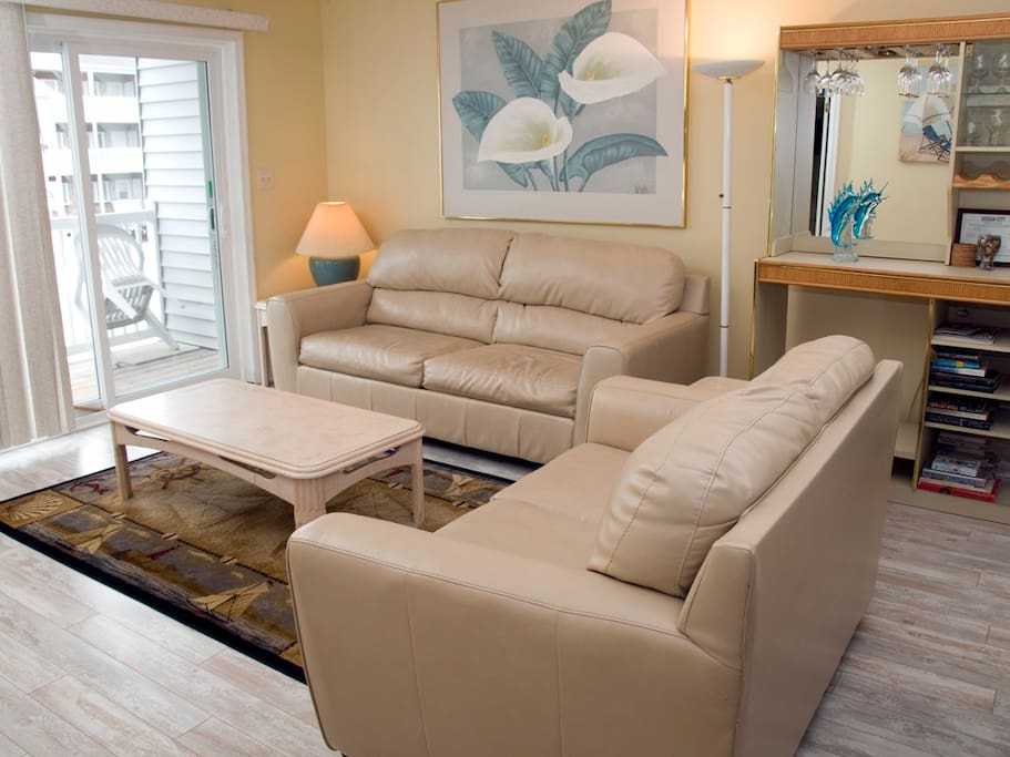 Tiffanie By The Sea, 228C - Living Room Area