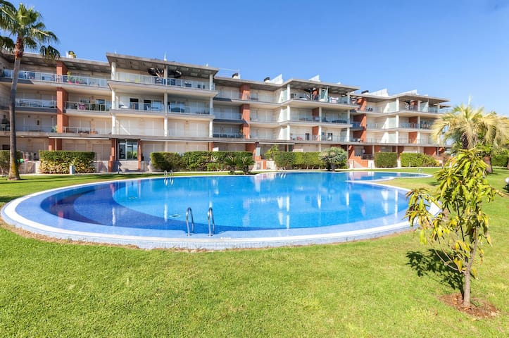 HAPPY  - Apartment for 4 people in Oliva Nova.