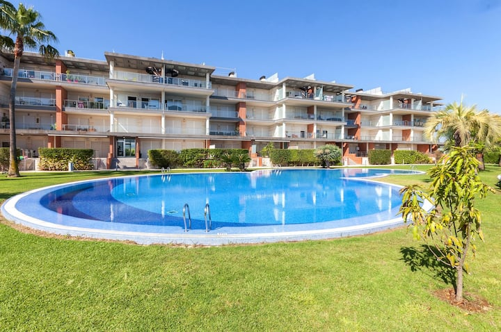 HAPPY  - Apartment with shared pool in Oliva Nova.