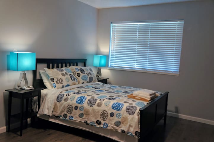 Cozy Private Room(No.5) share Bath Sacramento