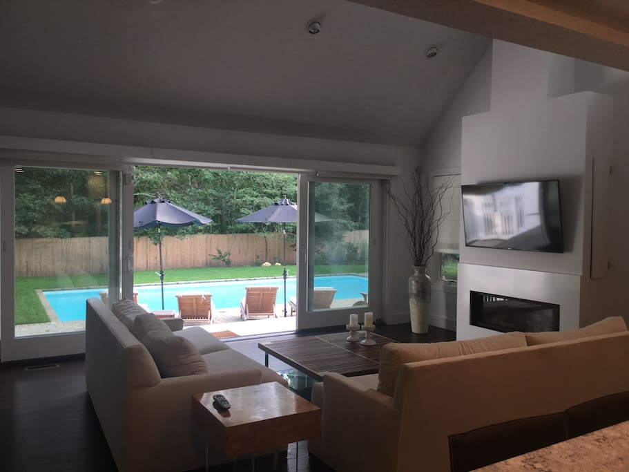 12 Ft Sliders opens up LR/Kitchen onto Pool Area
