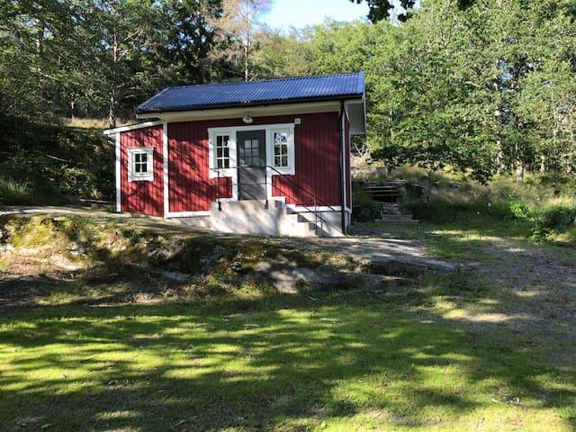 Gäststuga i närheten av Marstrand och golfbanor