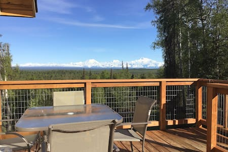 Talkeetna-The Overlook- view of Denali and aurora