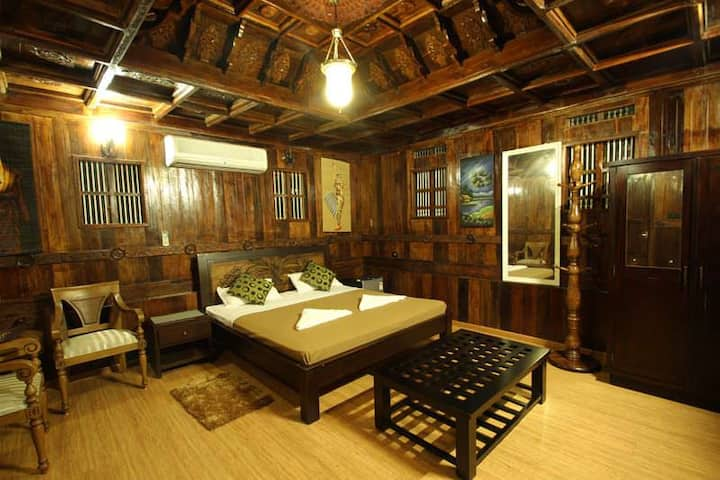 Royal Heritage Villa at Varkala Cliff