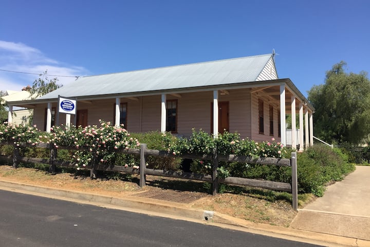 GULGONG Telegraph Station - large studio free WiFi