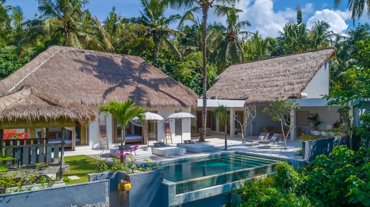 Villa Hidden Jewel, with private cook and pool