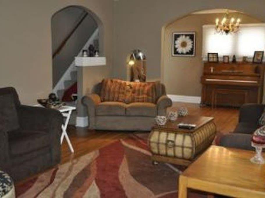 Living room into piano room