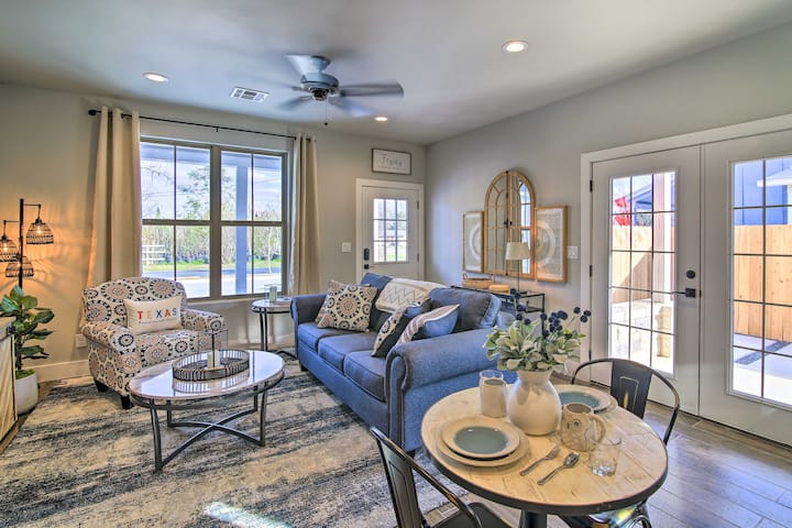 NEW! Chic Hill Country Escape < 1 Mi to Wineries!