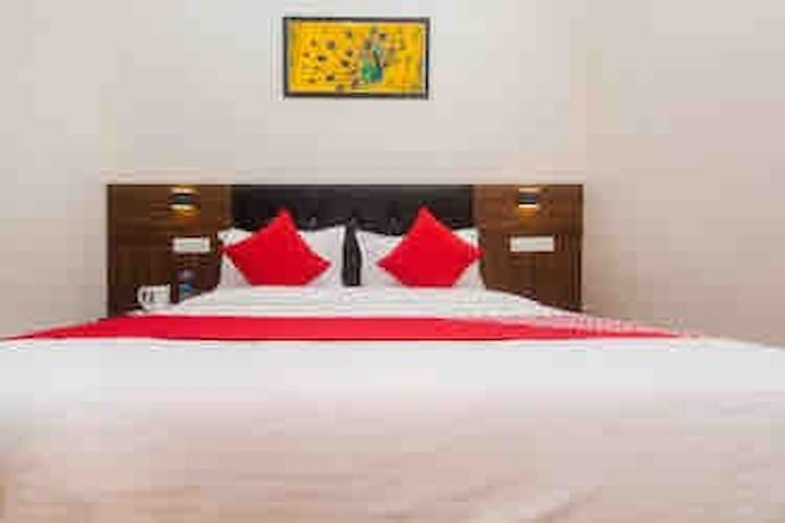 Luxurious Budget Hotel at Santacruz East