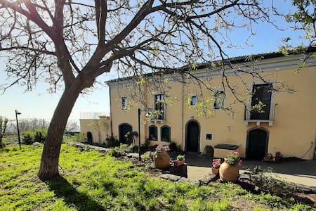 Villa Nicolosi: relax alle pendici dell'Etna