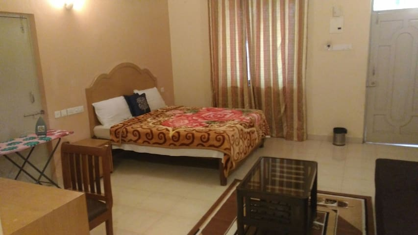 Fully furnished AC room for 2 Guests __