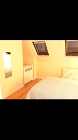 Cozy apartment in European Comission area