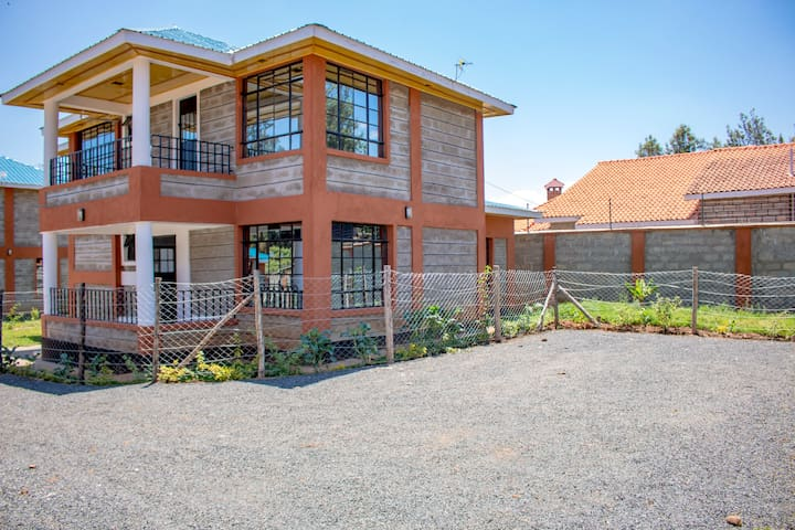 Mukuria Gardens House #2