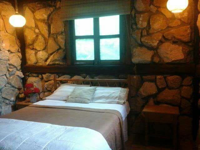 Habitacion matrimonial rùstica y confortable. - Montañita - House