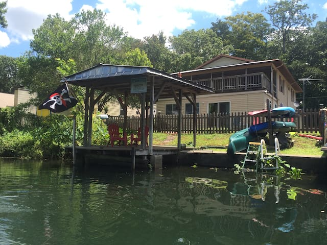 Captain's Quarters at Pirate's Cove - Weeki Wachee