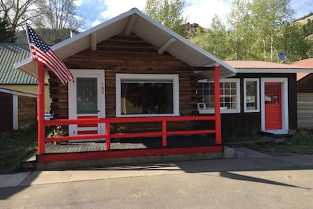 Sweet Creede Cabin! 103 E. 3rd St. Downtown Creede - Creede