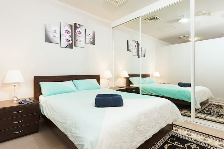 *Central 2Bedroom Unit for 5Star Location Seekers