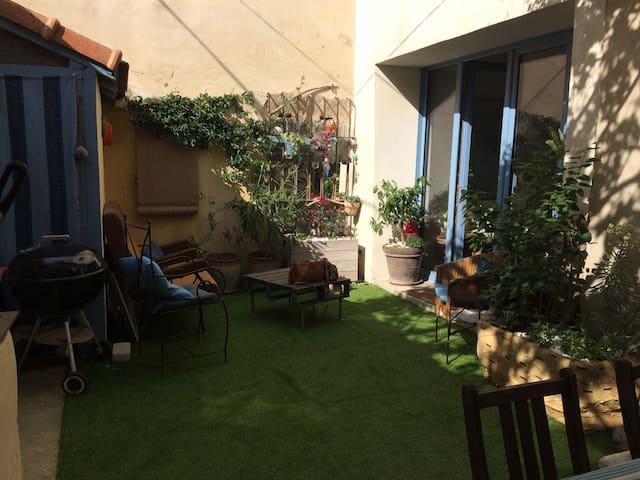Spacious house+courtyard citycenter