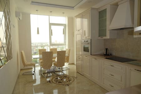 Новая красивая квартира в Аркадии - Wohnung