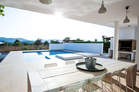 STUNNING VILLA JESUS WITH VIEW IN IBIZA TOWN - Illes Balears