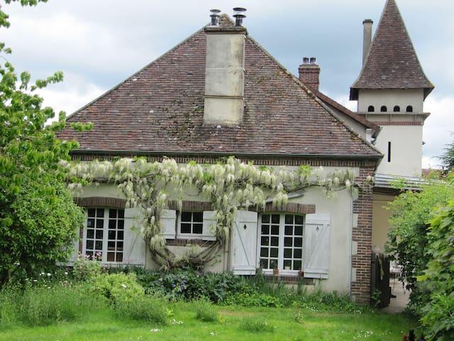 Maison de Caractère terrain 2700m² - La Ferté-Vidame - Rumah bandar