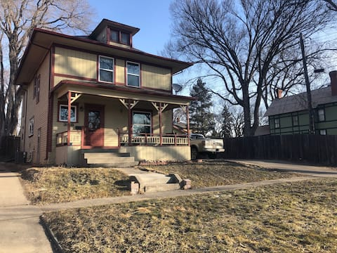 *Traveling Professionals* Remodeled Historic Home