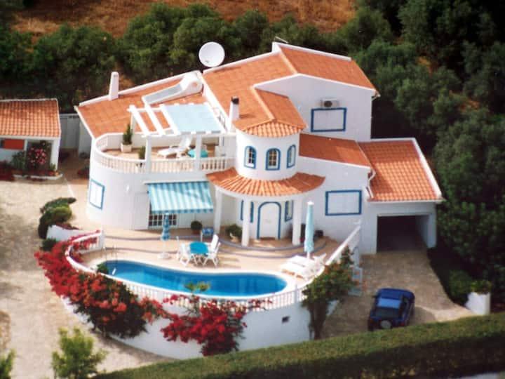 Luxury Private Villa -  Heated Pool - Great Views!