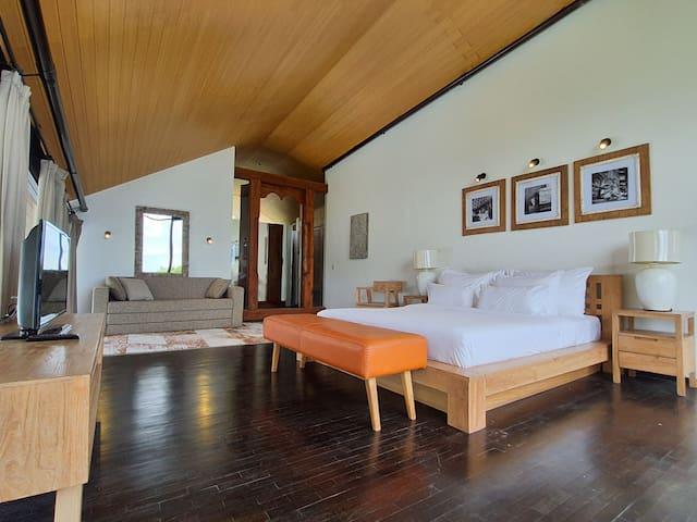 Mega spacious bedroom in the second floor
