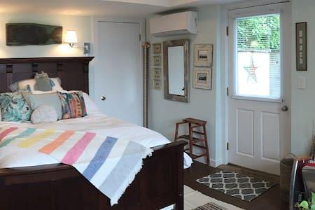 Lamberts Cove Two Bedroom Getaway Suite