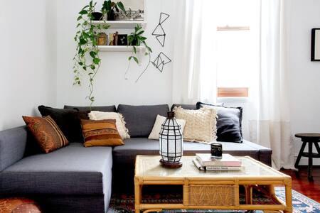 Little Terrace - Unique Urban Oasis Home - West Perth - House