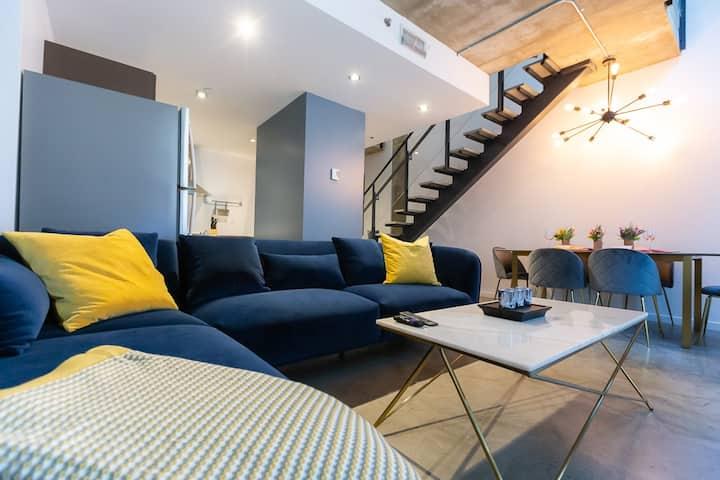 Stylish 2 Bedroom Loft!Montreal-Financial District