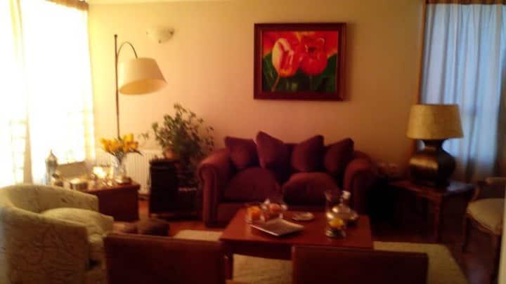 Hermosa y cálida habitación individual