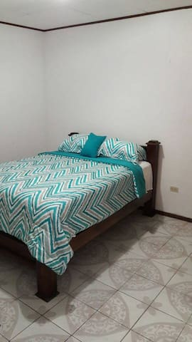 777 2BK2 Private room near Caribbean Beaches Limon