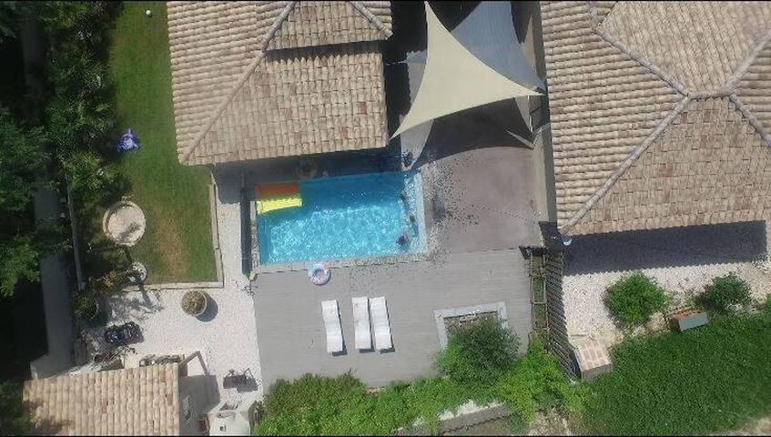 villa de charme plein pied dans la capitale du var - Brignoles - House
