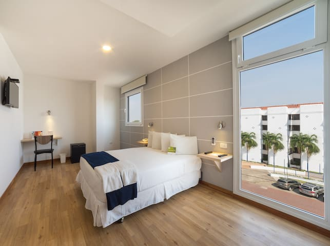 Room in 3 stars rated - Equipetrol - Santa Cruz de la Sierra