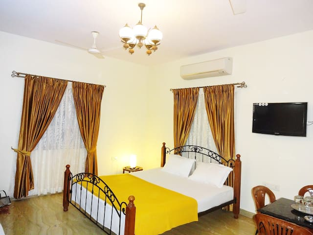 San Miguel Serviced, AC Studio room and apartments - Santa Cruz