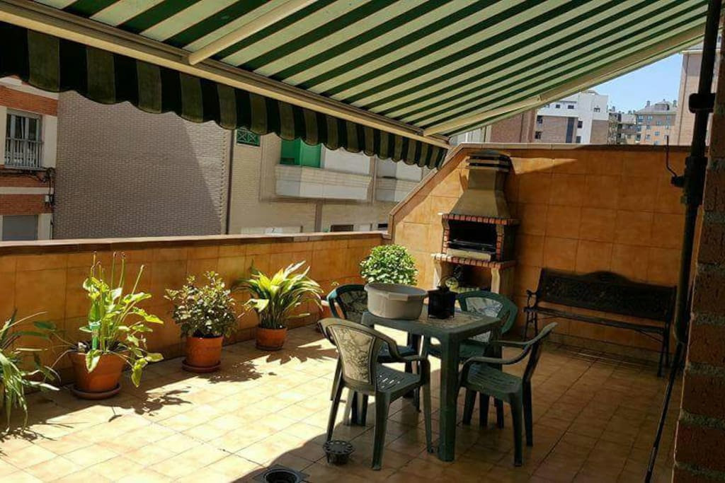 Mejor alojamiento en oviedo vacaciones o trabajo for Trabajo cocina asturias