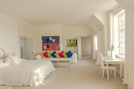 THE WHITE HOUSE, BEMBRIDGE, America's Cup room - Bembridge - Huis