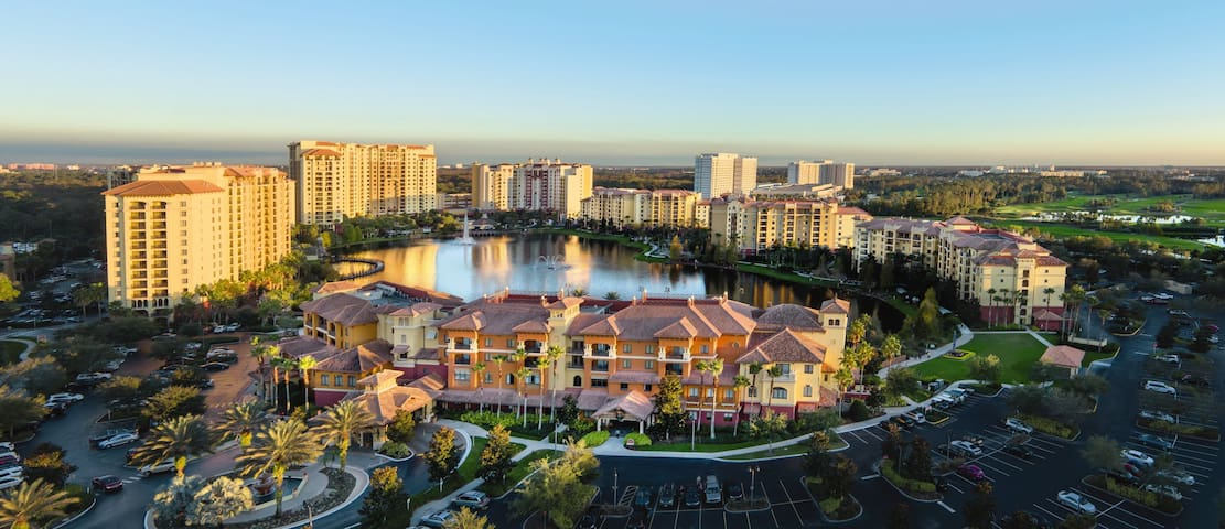 On Disney Property - Bonnet Creek 2 BR, Sleeps 8