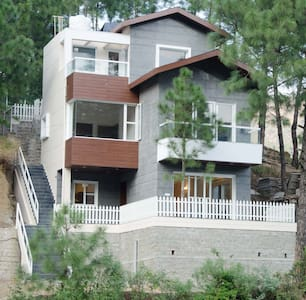 Kasauli - 3 BHK Villa with huge Barbeque Garden - Kasauli