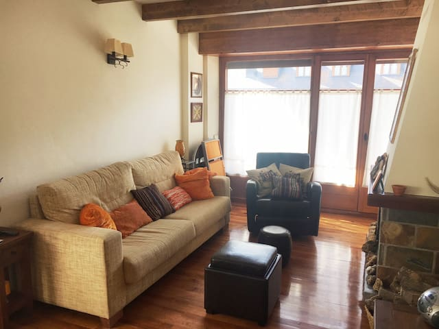 Acogedor apartamento con chimenea
