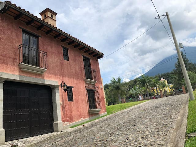 Villa Milagro a minutos de Antigua Guatemala