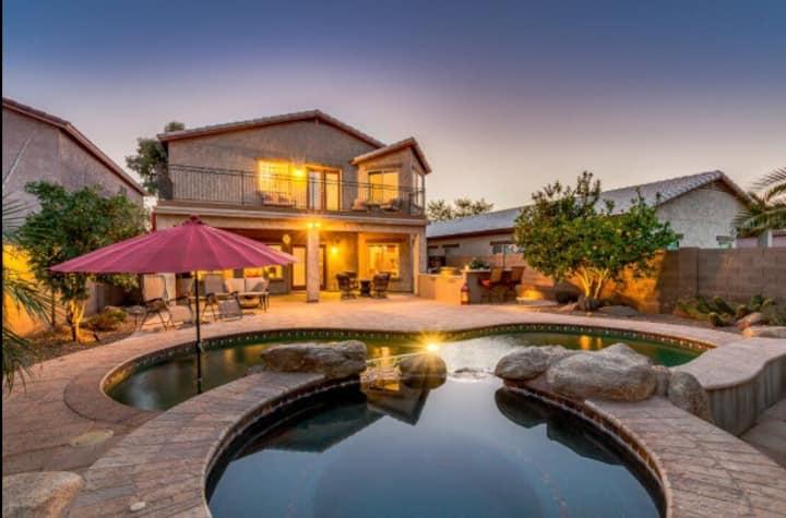 FAB Casa Bliss!  LUX Pool&Spa.  Chic, Fresh, Cozy!
