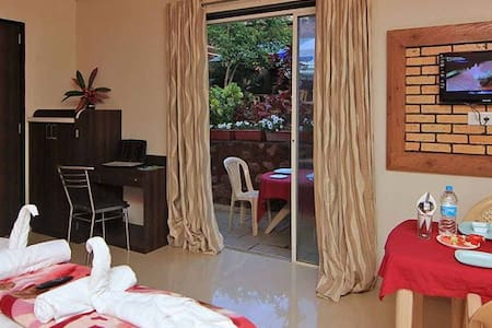 Private Deluxe Room with Bath Tub 2 - Mahabaleshwar