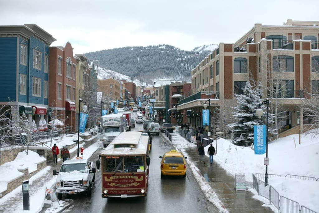 Lower Main street area and town lift plaza just south of our building. Walk to the Town lift, shops, restaurants and galleries. Best location in Park City